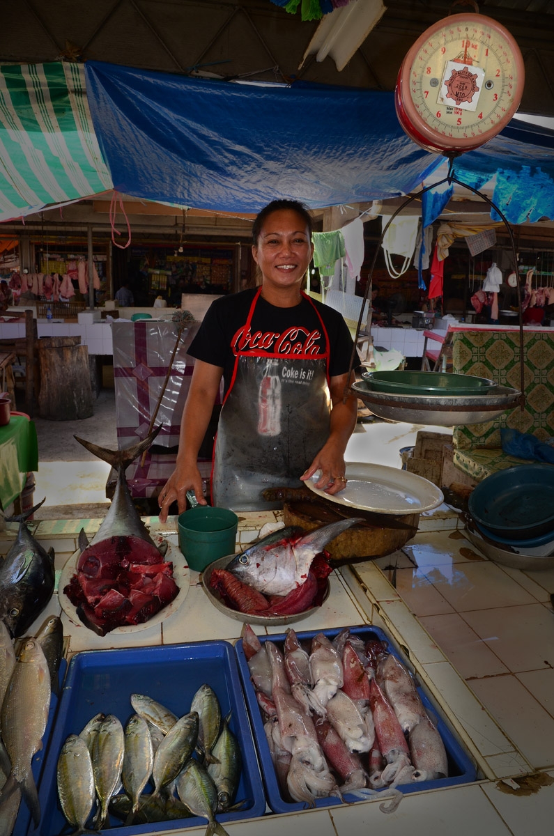 Argao market fish vendor filipina